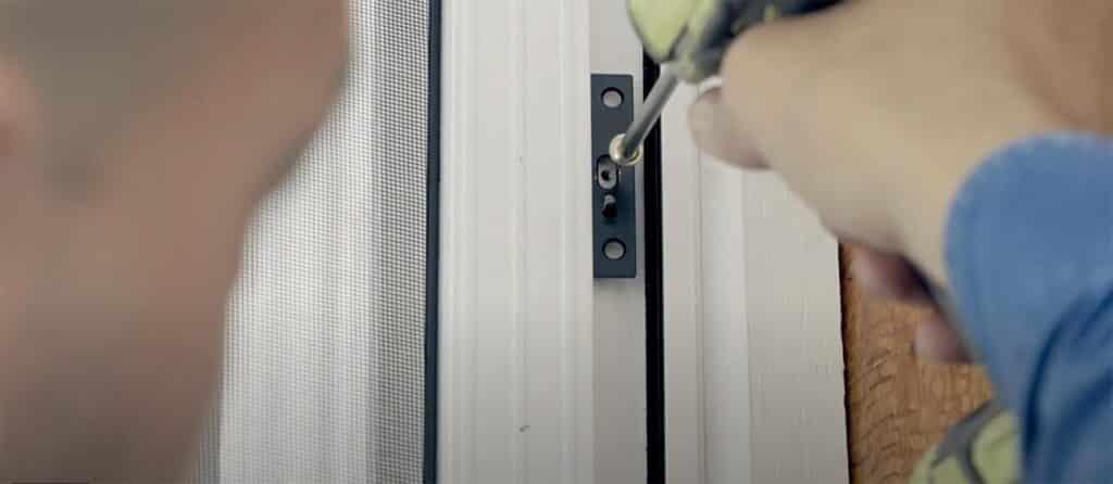 Hang Door 1